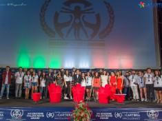 Gli Studenti della Masterclass sul palco dell'Italian Movie Award per la consegna degli Attestati