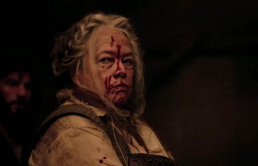 Kathy Bates interpreta il personaggio 'the butcher'