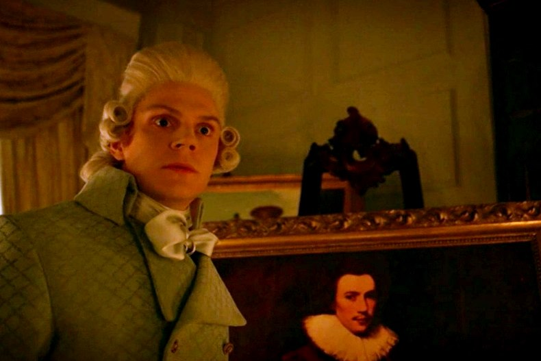 Evan Peters interpreta il personaggio Edward Philippe Mott